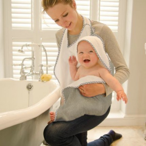 Cuddledry Hands Free Baby Bath Towel